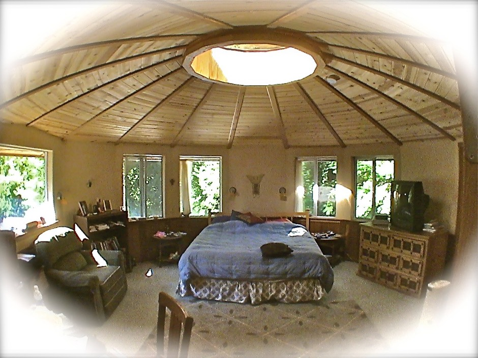 21'Yurt Bedroom